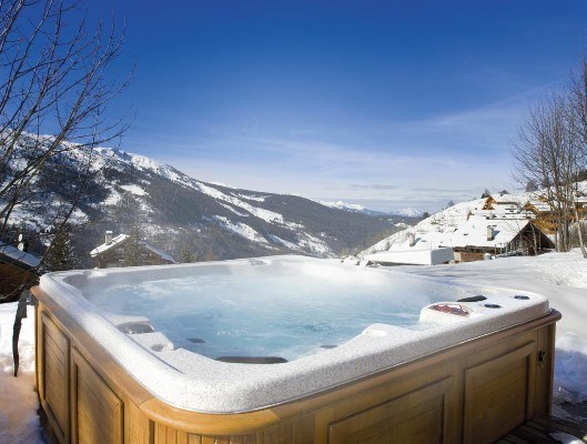 Chalet Pierre hot tub
