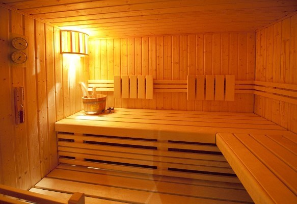 Wet suite and sauna
