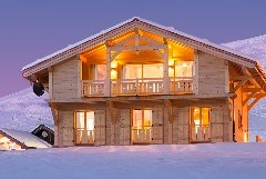 Exterior shot of Chalet Poudreuse