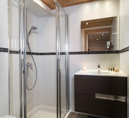 En suite showers
